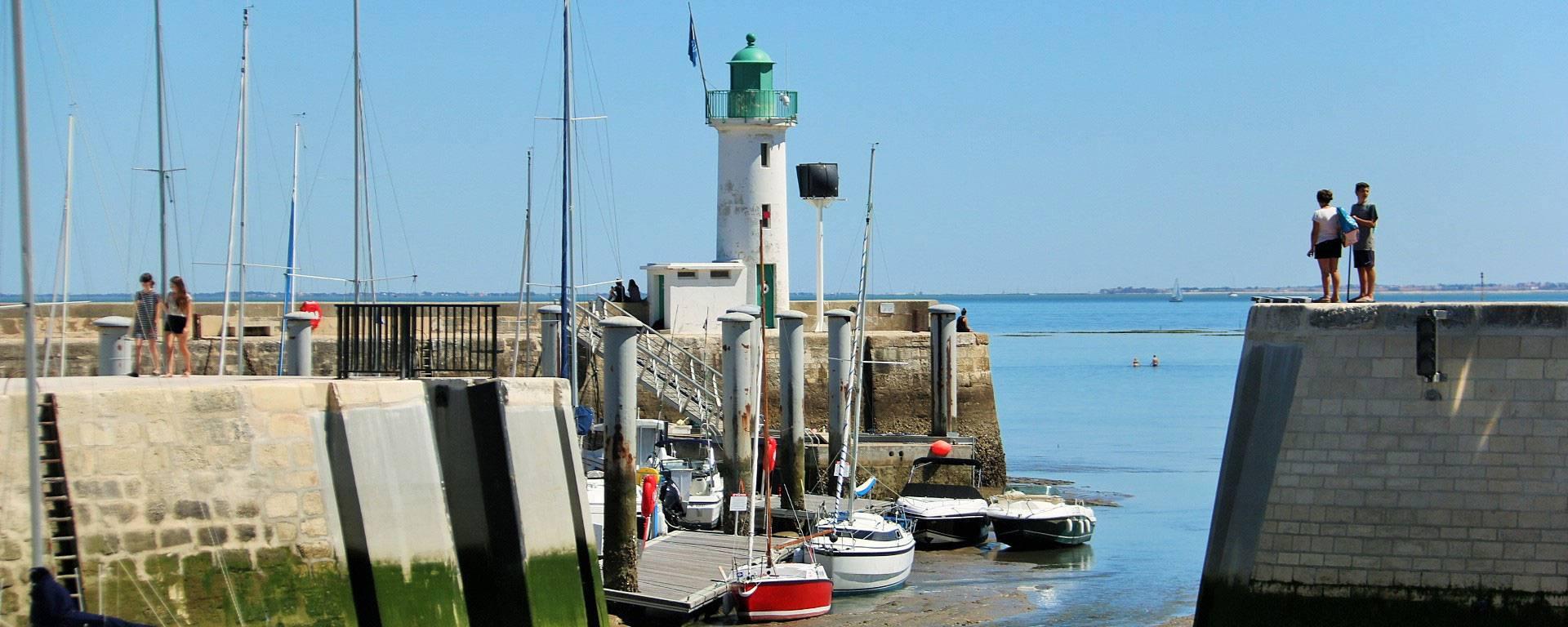 le port de la Flotte par @Lesley-Williamson