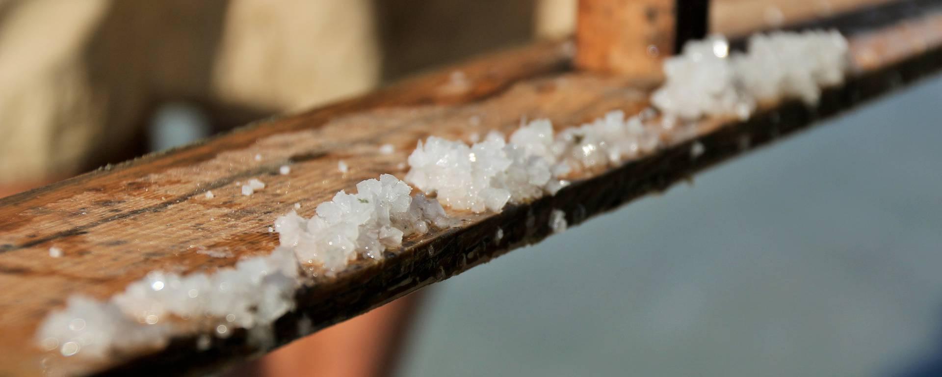 Le simoussi pour faire les Pyramides de sel ©Lesley Williamson