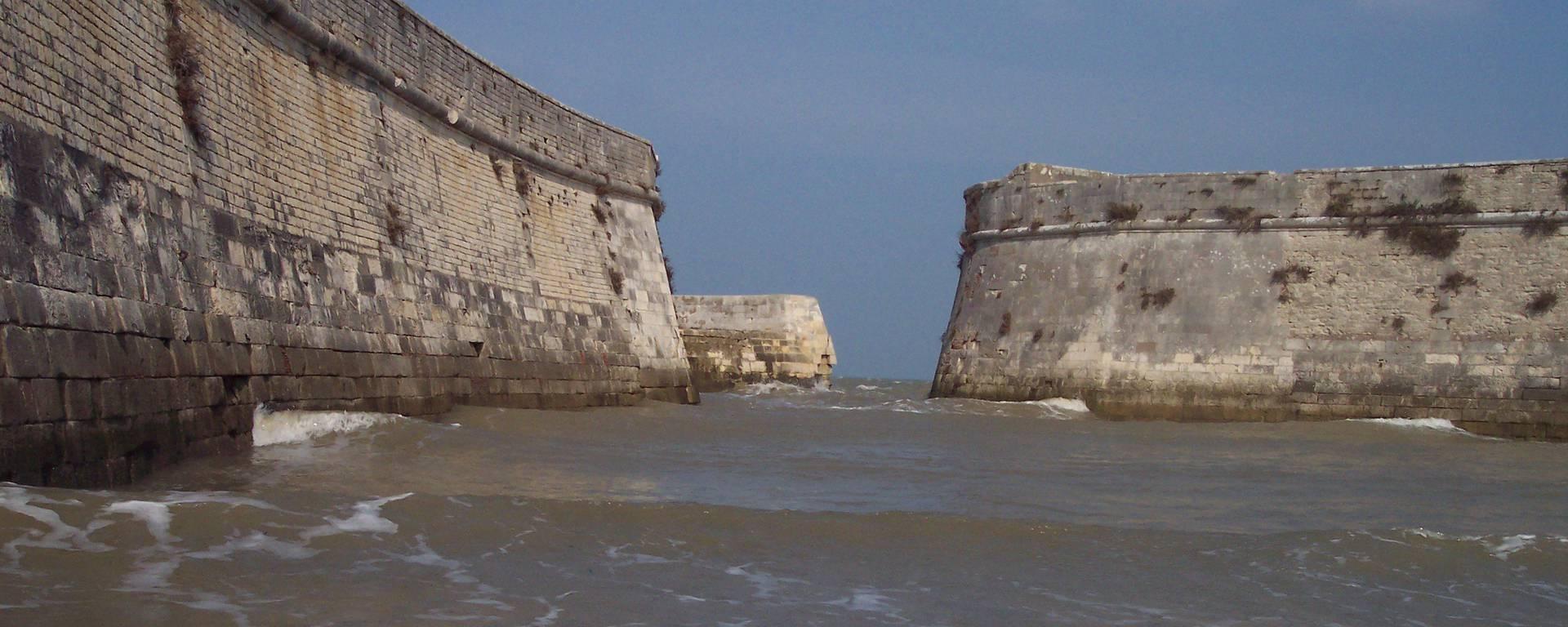Port de la citadelle à Saint-Martin-de-Ré ©Guillaume Cudennec