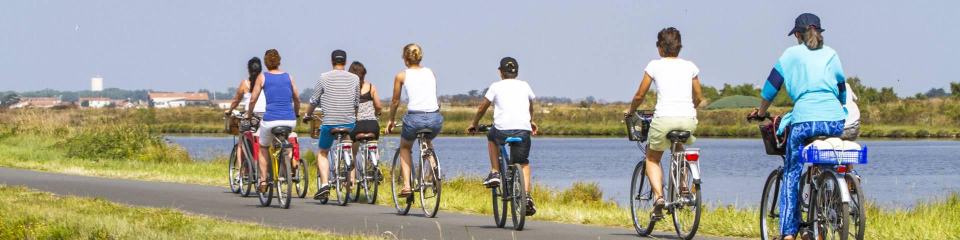 Balade à vélo dans les marais de l'Ile de Ré (c) François Blanchard