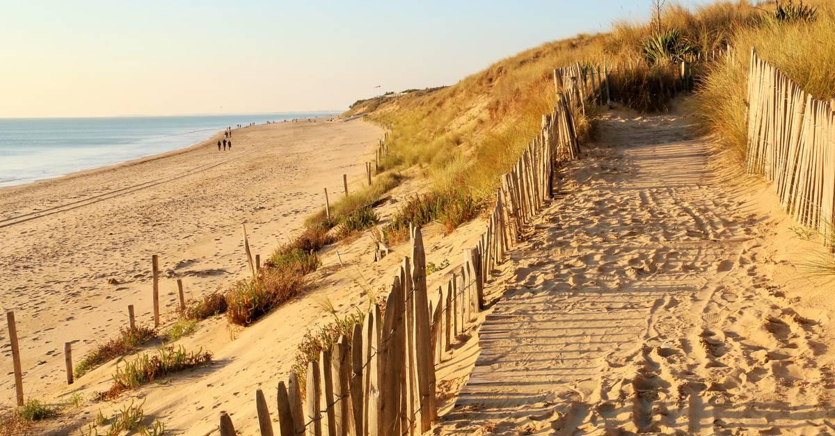 les plages au bois plage en r destination ile de r. Black Bedroom Furniture Sets. Home Design Ideas