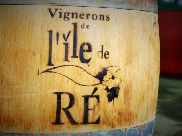 Tonneau coopérative des vignerons par Lesley Williamson