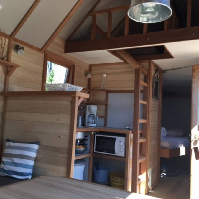 Cabane en bois, (c) Camping Les Baleines